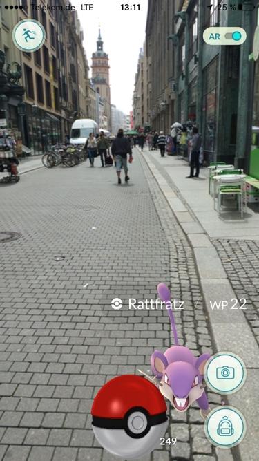 Auch in Leipzigs Fußgängerzone tummeln sich die Pokémons.