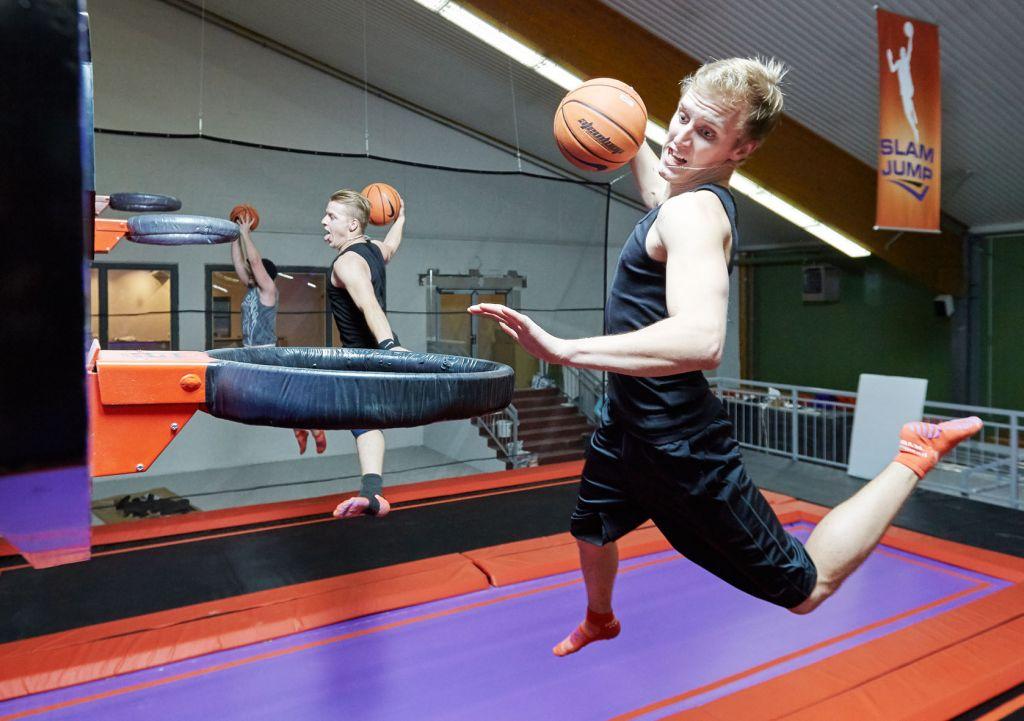 So hoch hinaus wie beim SLAMJump kommen Schüler beim normalen Basketball sicher nicht!
