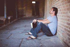Tinnitus, Burn-out und Co.: Häufige Krankheiten bei Lehrern