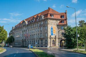 Blick auf die Außenfassade des a&o Leipzig