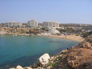 Blick auf eine Bucht in Malta