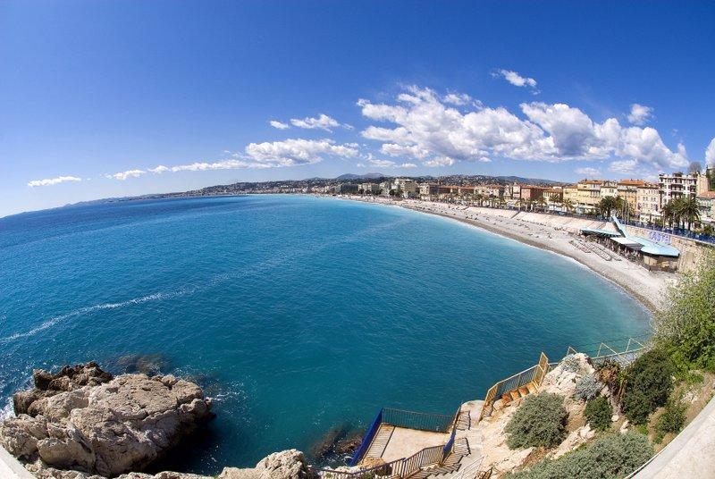 Mediterranes Flair: Die Buchten und die Strandpromenade in Nizza sind sehr sehenswert.