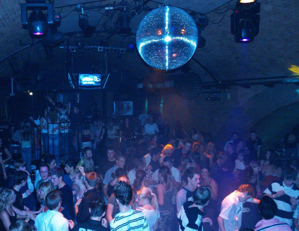 In den D-Light-Clubs können Schüler lernen, auch ohne Alkohol Spaß zu haben.