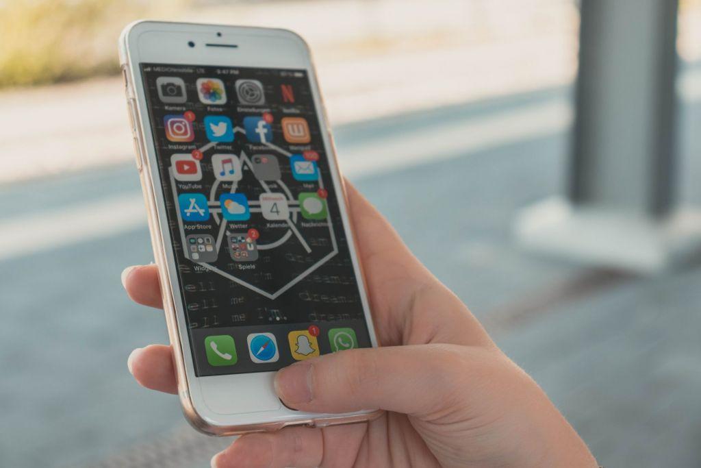 Schüler erhalten ihre Nachrichten vor allem über die sozialen Kanäle.