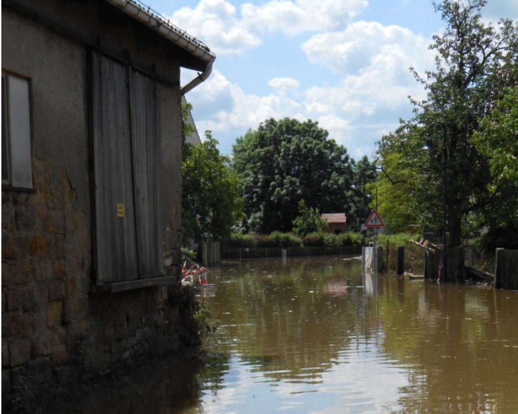 Beim Hochwasser 2013 wurden in Dresden viele Häuser beschädigt