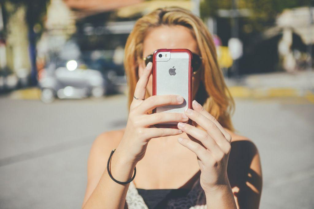 Dass Jugendliche privat oft online sind, sagt nicht zwingend etwas über ihre Medienkompetenz aus.