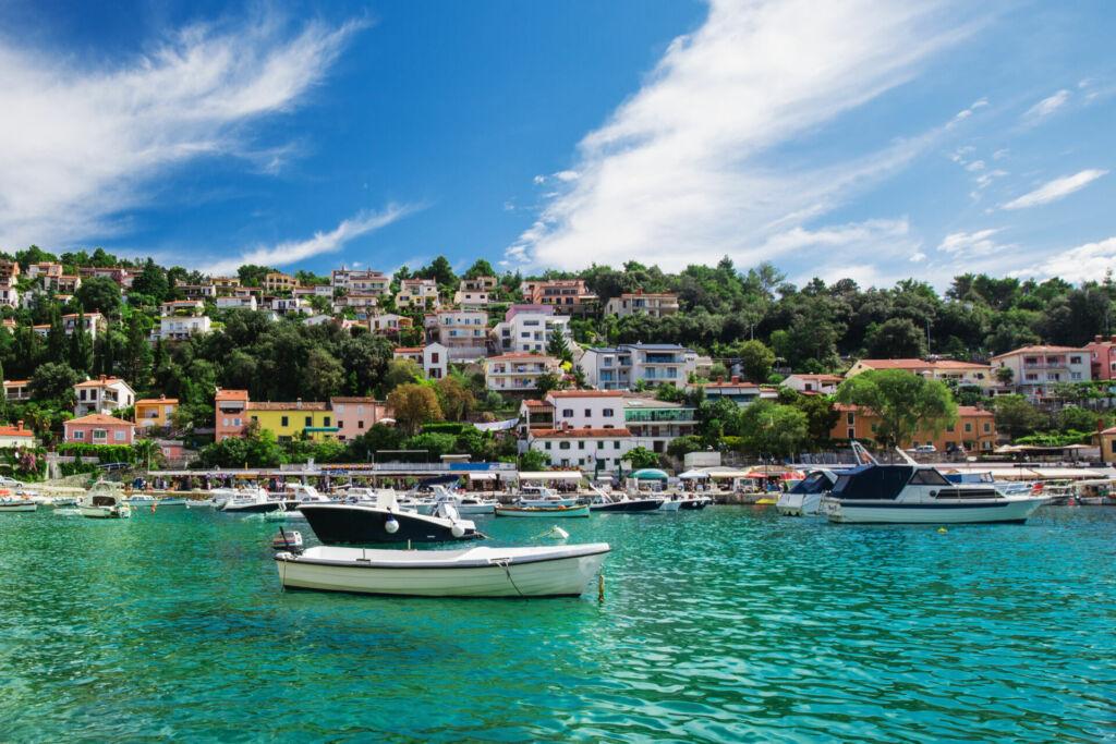 Eine atemberaubende Küste in Istrien in Kroatien. Eine Klassenfahrt nach Istrien ist sehr empfehlenswert.