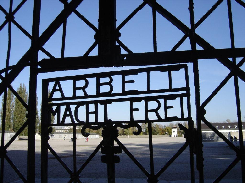 Außenansicht des KZs Dachau