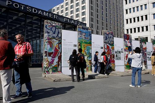 Bestauen Sie mit Ihren Schülern die Rest der Berliner Mauer am Potsdamer Platz