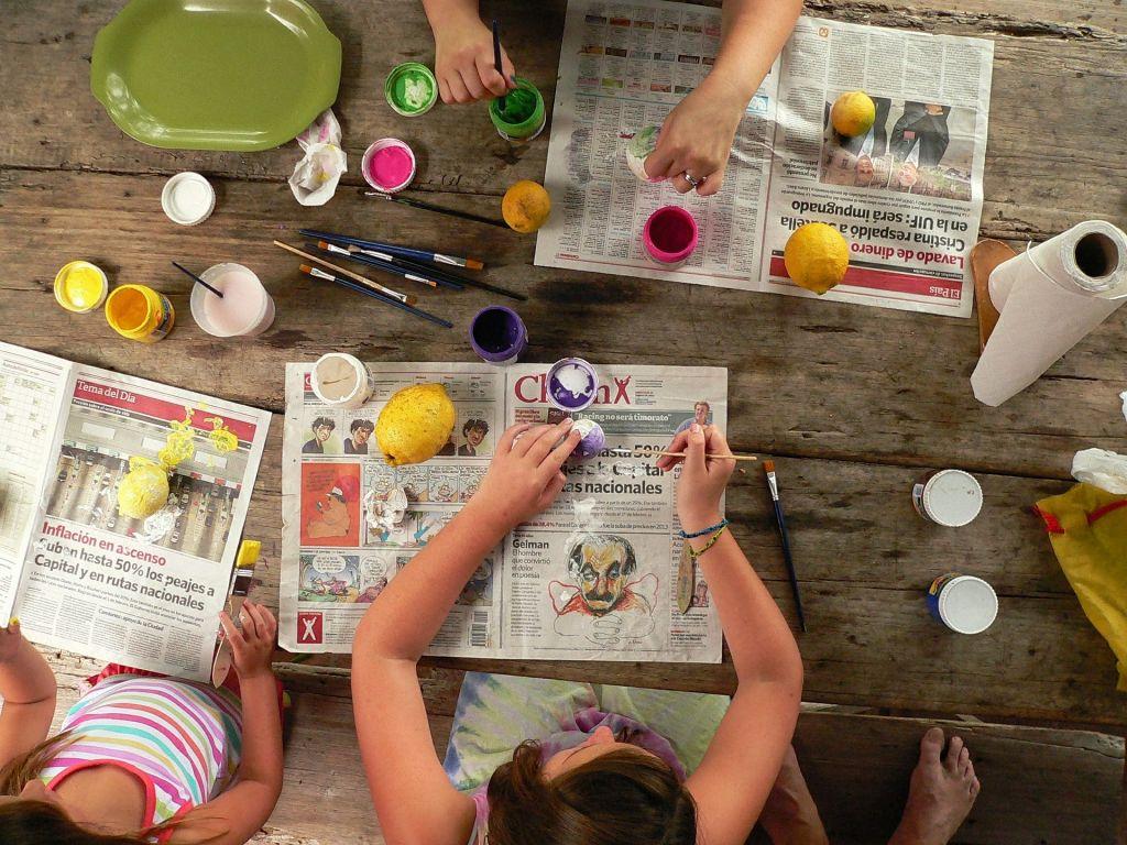 Durch Malen entspannen sich Kinder in kurzer Zeit.