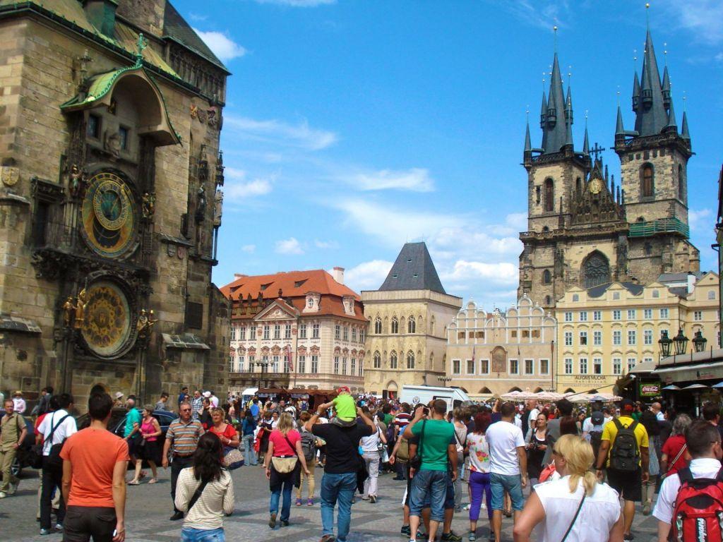 Blick auf die Astronomische Uhr in Prag