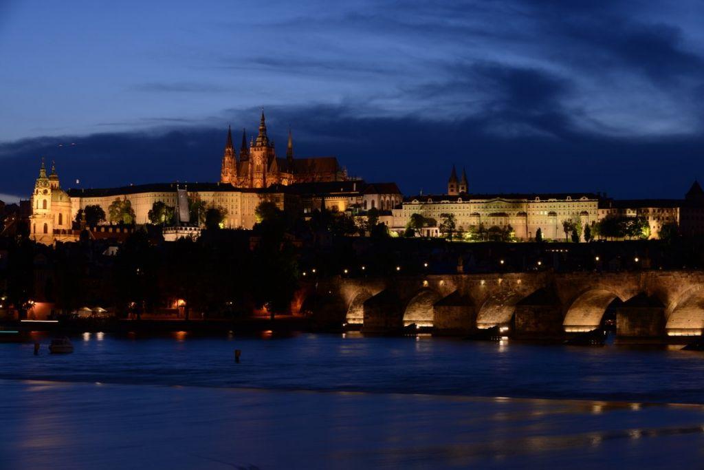 Die Prager Altstadt nei Nacht