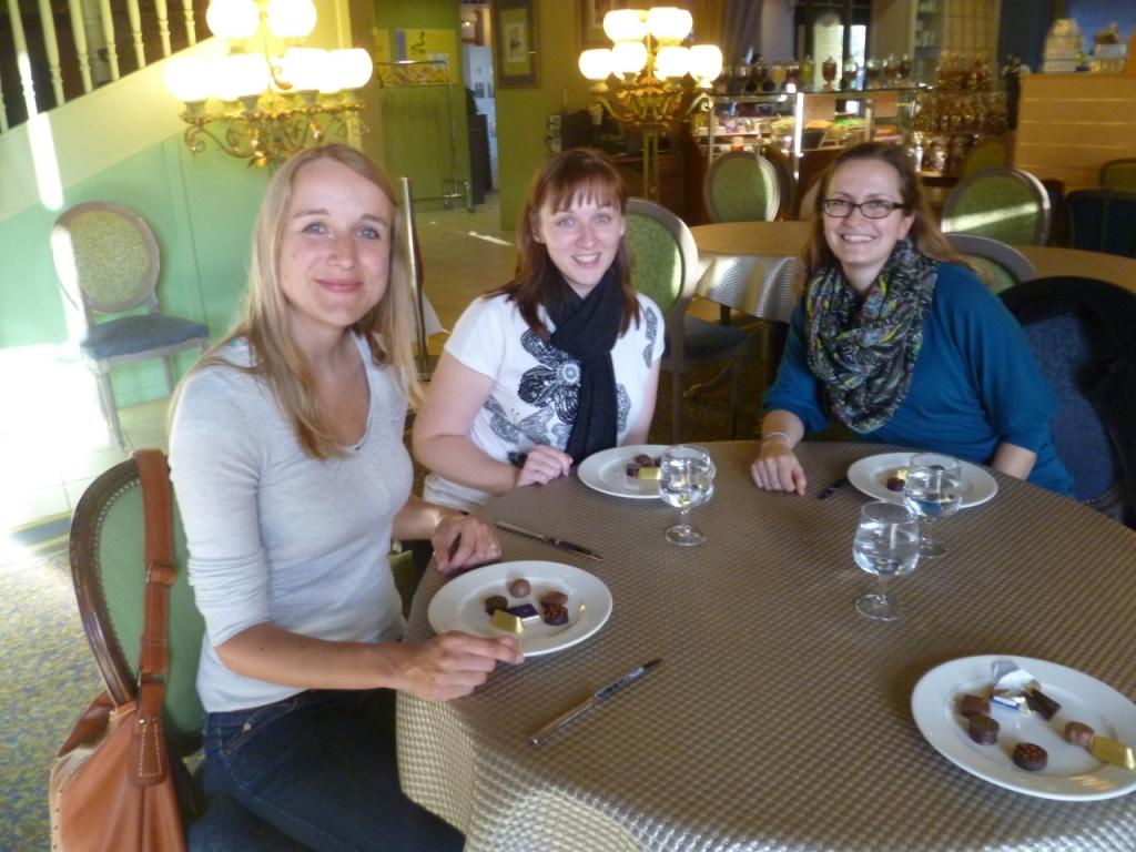 Sandra Steelandt, Claudia Rosin, Ivonne Friedrich im Musée du Chocolat klein