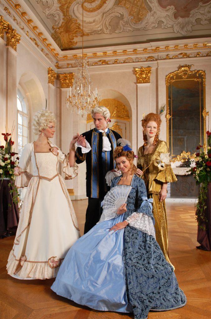 Die königlichen Hoheiten laden ihre Gäste in ihr Schloss Sanssouci