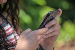 Konzentrationsschwierigkeiten bei Schülern durch das Smartphone.