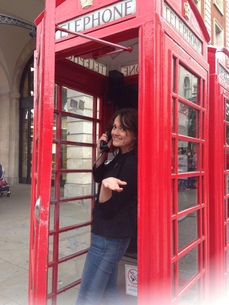 Ob digitales Zeitalter oder nicht: Die roten Telefonzellen gehören zu England einfach dazu.