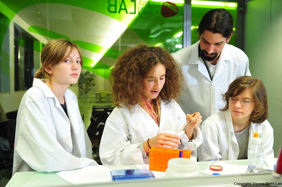 Schüler erhalten spannende Einblicke in eine moderne Forschungseinrichtung