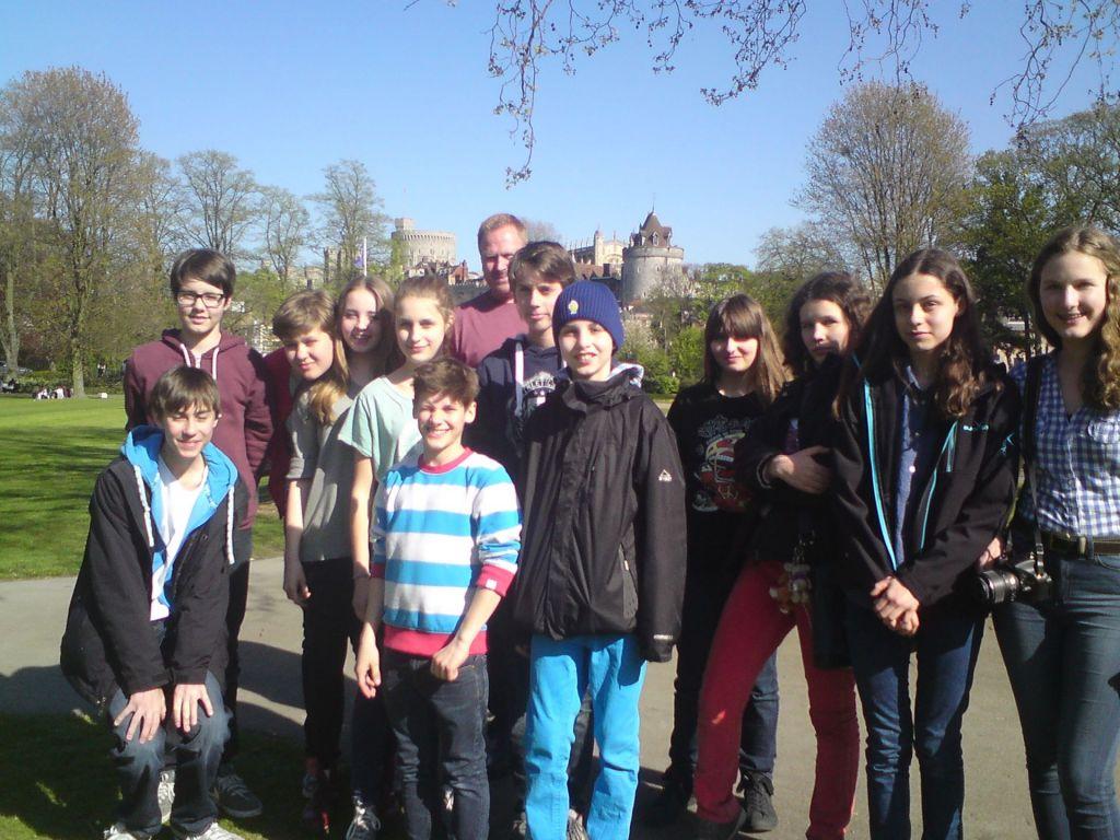 Blick auf eine Schülergruppe
