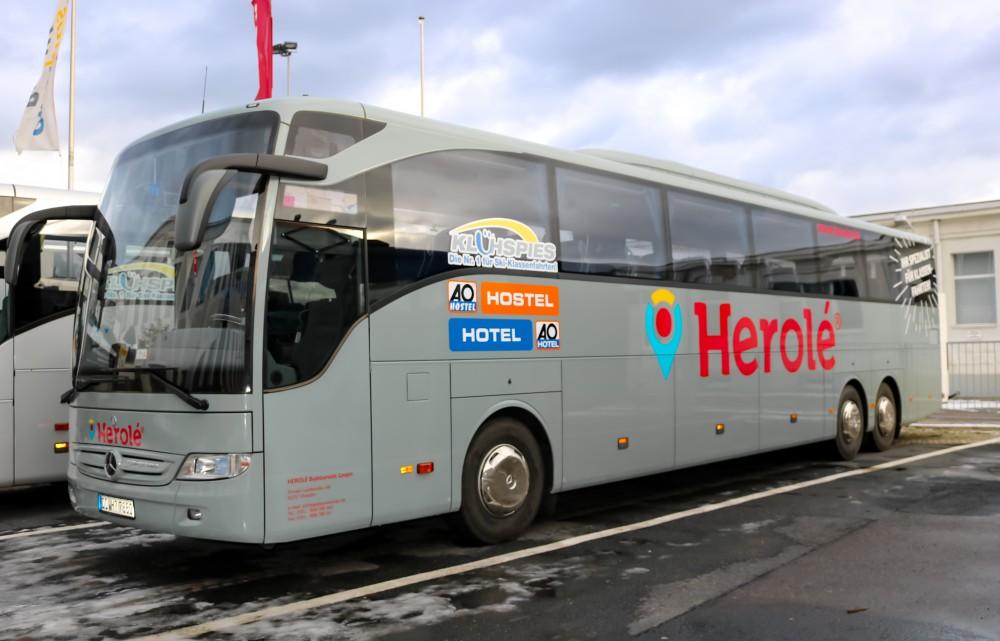 HEROLÉ-Bus mit Klühspies-Partnerbeklebung